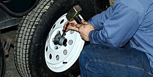trailer-repairs-and-maintenance